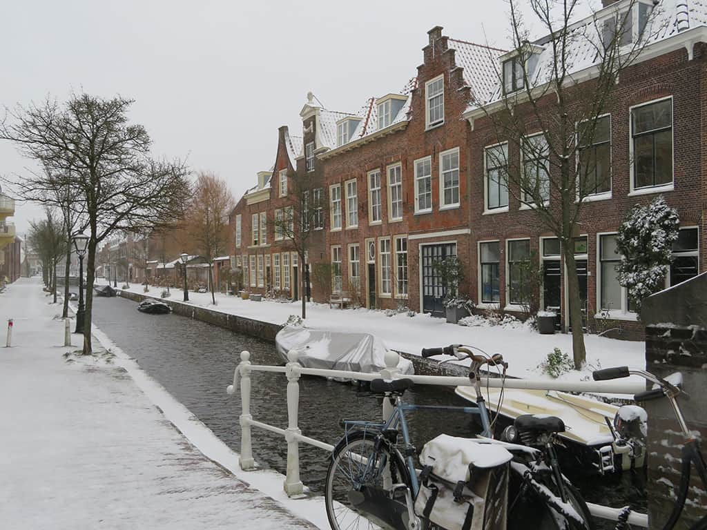 MirandaWandelt - Leiden winter 2021 - gracht